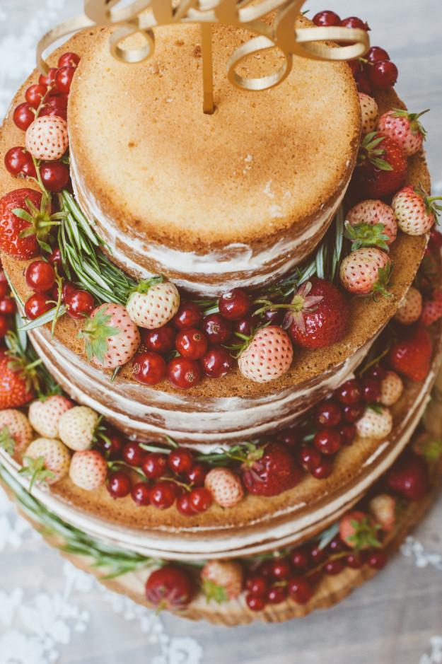 Very Berry Wedding Cake Rezept Hochzeitstorte Rezept Foodistas De