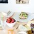 obstsalat mit knusprigem quinoa quinoa rezept obst rezept. Black Bedroom Furniture Sets. Home Design Ideas